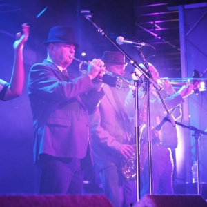 Superskas live ska 2tone 2 tone two tone horn section